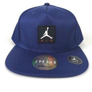 Nike Accessories - Nike AIR JORDAN Youth Vapor SnapBack Hat NEW 067ae993b